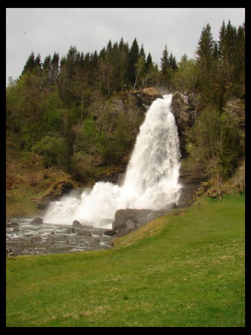 May 1, 2009 - flowing Steinsdalsfossen