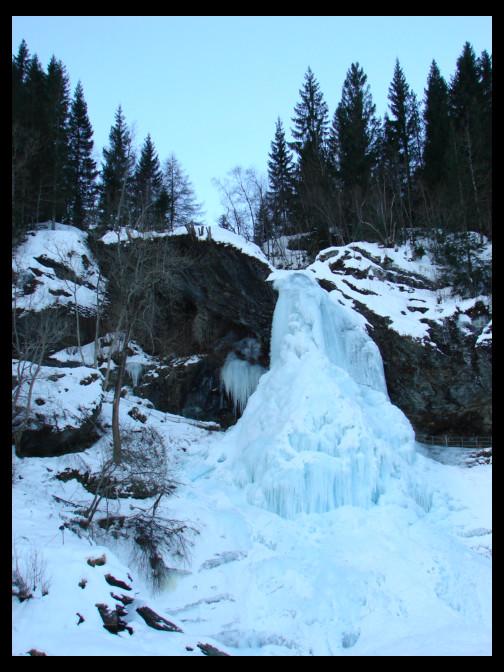 January 12, 2010 - frozen Steinsdalsfossen