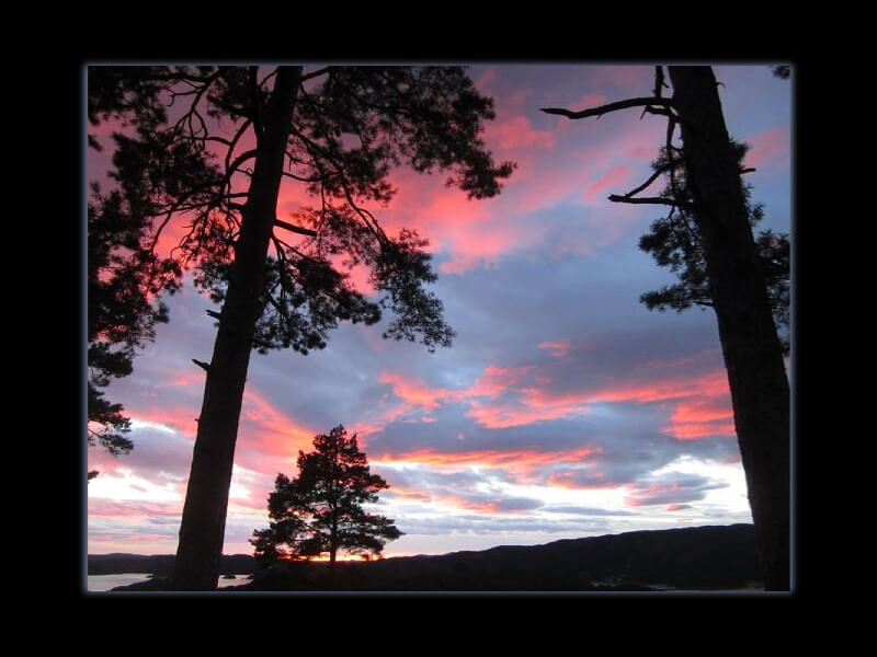Wordless Wednesday: fire in sky